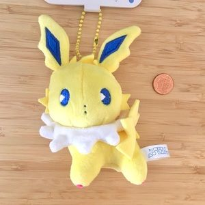 Rare official pokemon jolteon plush keychain